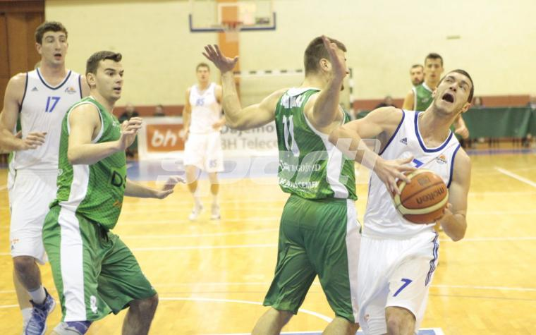 (FOTO) Kakanj pružio dobru partiju i slavio protiv Sparsa u Skenderiji