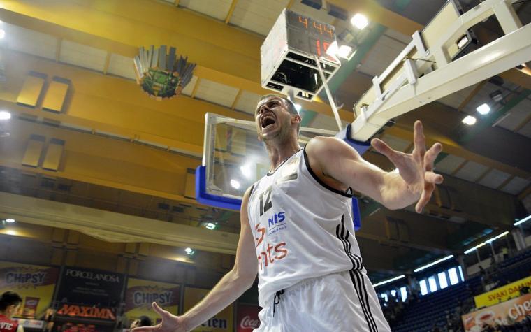 Partizan u posljednjoj sekundi slavio protiv Zvezde