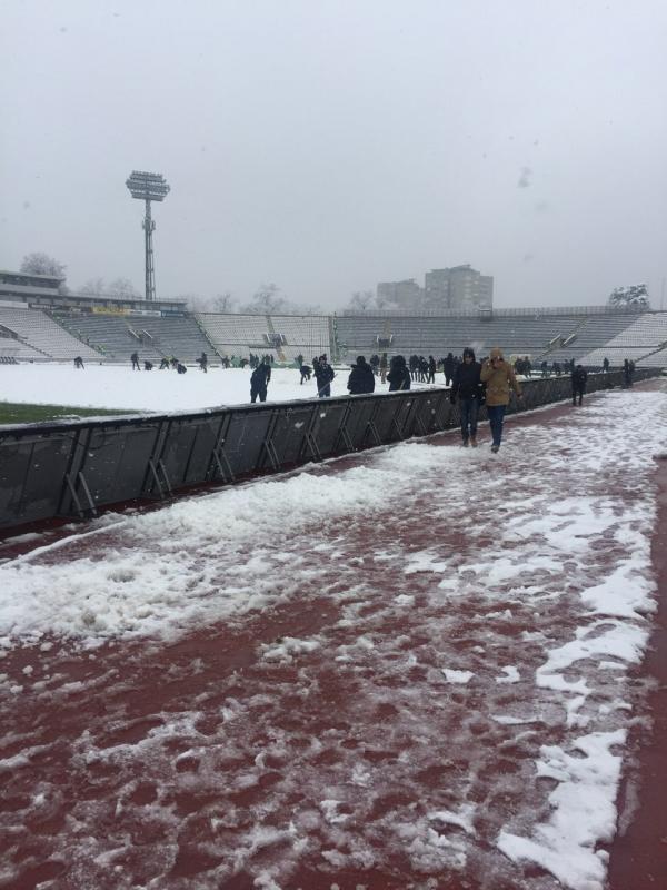 fkp1.jpg - (FOTO/VIDEO) Nevjerovatne slike stižu iz Humske: Pomjerena utakmica Partizan-Vojvodina