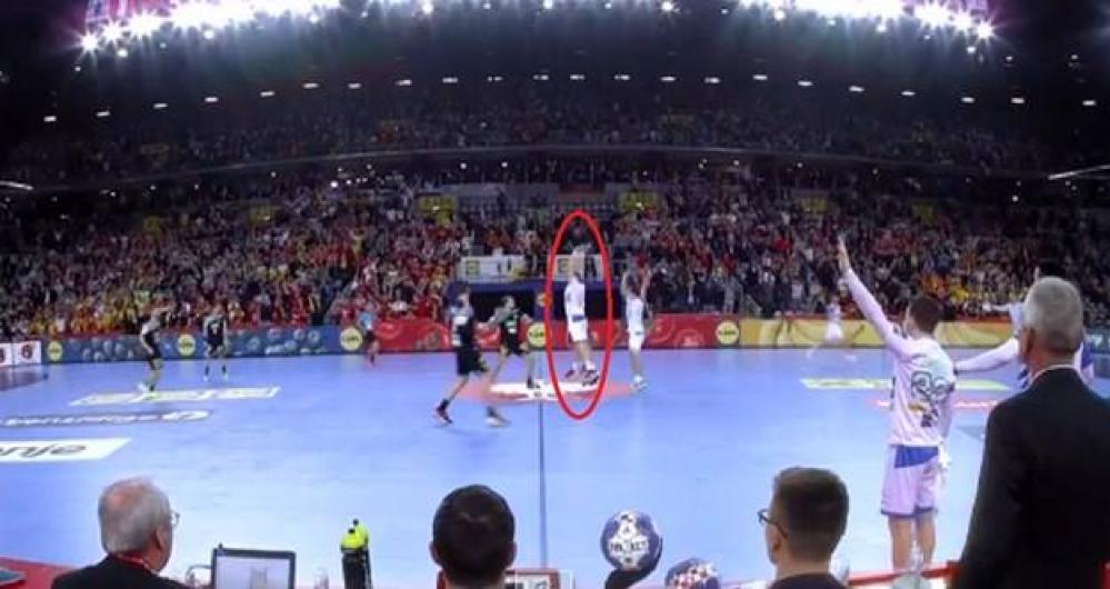 26857262_2001641323386392_1106842119_n.jpg - (FOTO) Šta se desilo u posljednjoj sekundi duela Slovenija-Njemačka? Zašto su Nijemci dobili sedmerac?