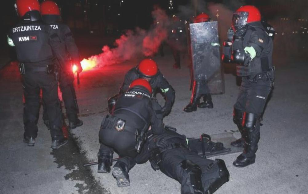 Screenshot_2.png - (FOTO/VIDEO) Epilog nereda u Španiji: Jedan policajac preminuo