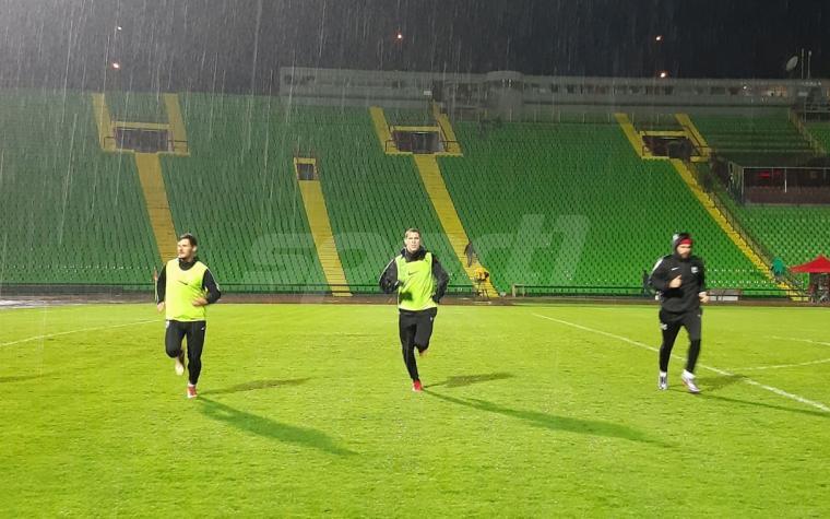(FOTO) Fantastičan potez fudbalera Sarajeva: Prvotimci trenirali nakon ubjedljive pobjede nad Slogom