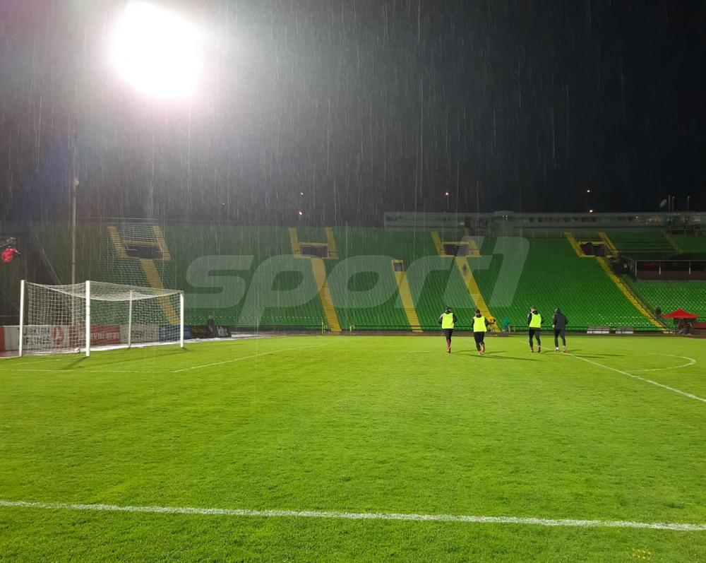 56874431_2298824653719082_7945768851415760896_n.jpg - (FOTO) Fanstatičan potez fudbalera Sarajeva: Prvotimci trenirali akon ubjedljive pobjede nad Slogom