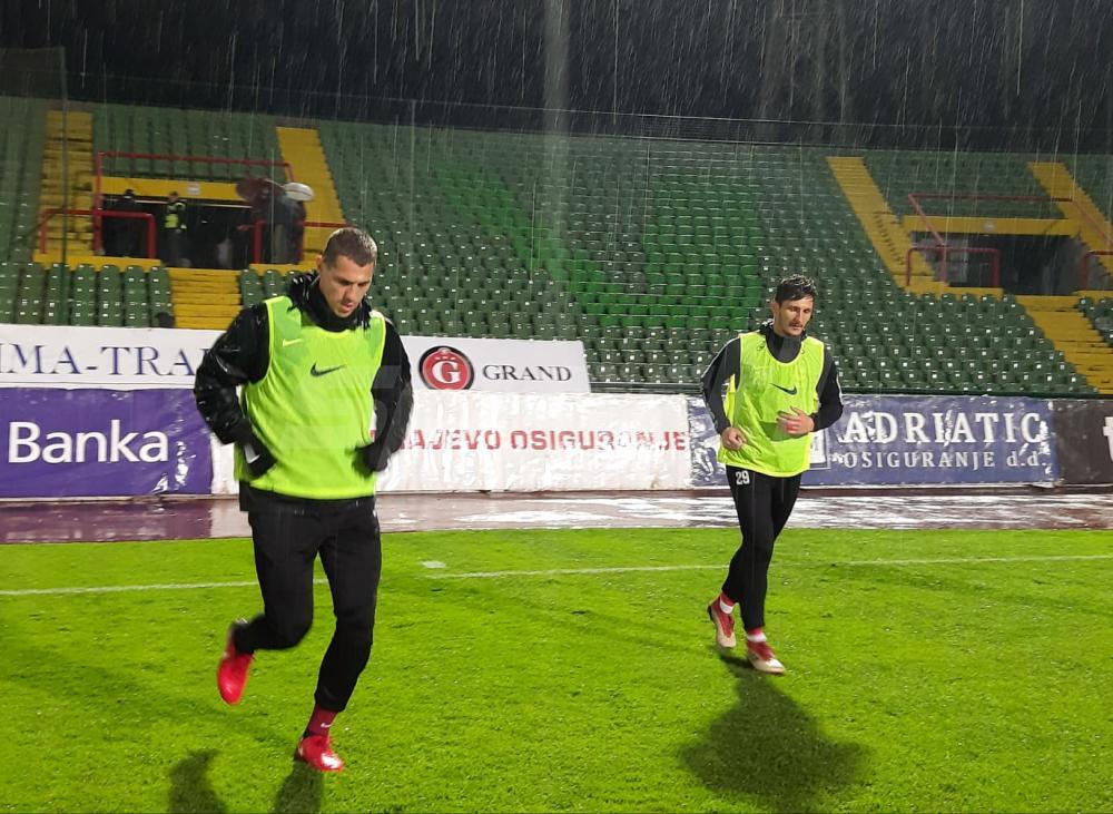 56533743_302611717082198_2906577787097710592_n.jpg - (FOTO) Fanstatičan potez fudbalera Sarajeva: Prvotimci trenirali akon ubjedljive pobjede nad Slogom