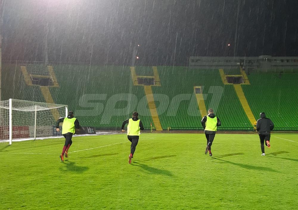 56942458_420030305492377_3327636778566811648_n.jpg - (FOTO) Fanstatičan potez fudbalera Sarajeva: Prvotimci trenirali akon ubjedljive pobjede nad Slogom