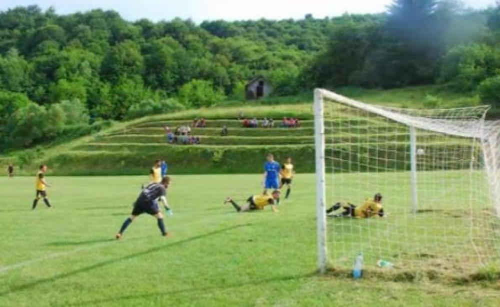 f2.jpg - (FOTO) Stadion iz BiH o kojem svi govore: Ovakvo fudbalsko zdanje nikada niste vidjeli